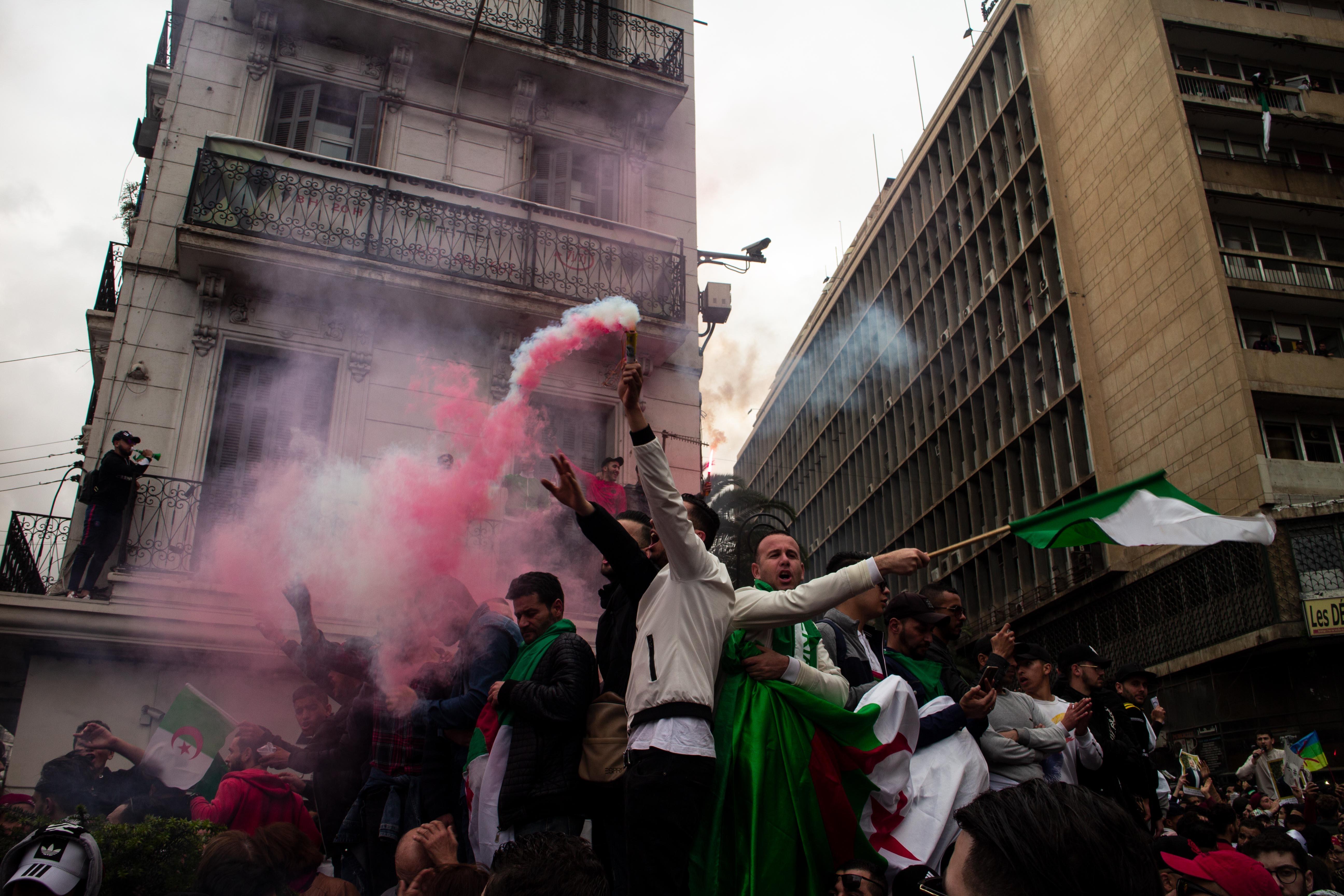 """J.-B. Pinatel  """"Algérie: 4 scénarios de sortie de crise"""""""