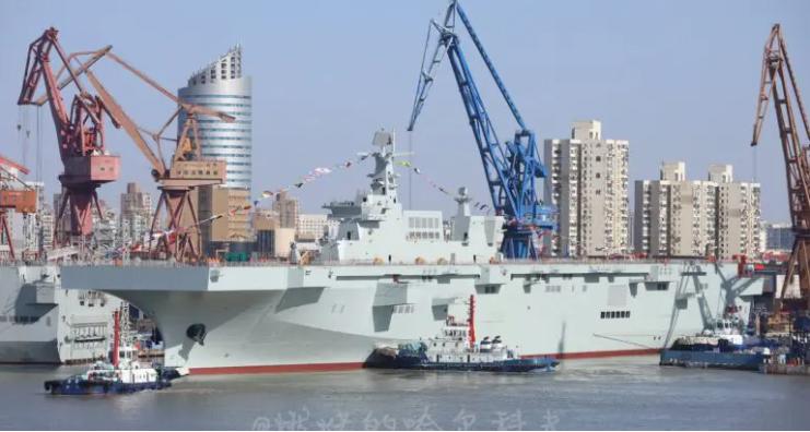 Trois porte-hélicoptères mis à l'eau en Chine… en moins d'un an et demi